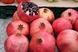 Pomegranate [पोमिग्रेनेट] online fruits delivery in jhansi– अनार् [Anar] Punica granatum
